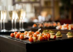 mad-ud-af-huset-reception